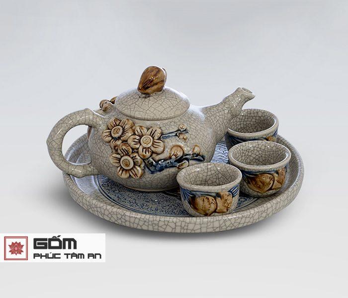 ý nghĩa của ấm trà cúng men rạn cổ bát tràng trong bộ bàn thờ gia tiên,ý nghĩa của ấm trà cúng trên bàn thờ cúng bát tràng, ấm trà cúng bát tràng đẹp rẻ
